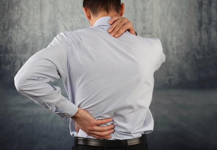 La Mejor Oficina Legal de Abogados Especializados en Demandas de Lesiones, Fracituras y Golpes en el Cuello y Espalda en Chicago